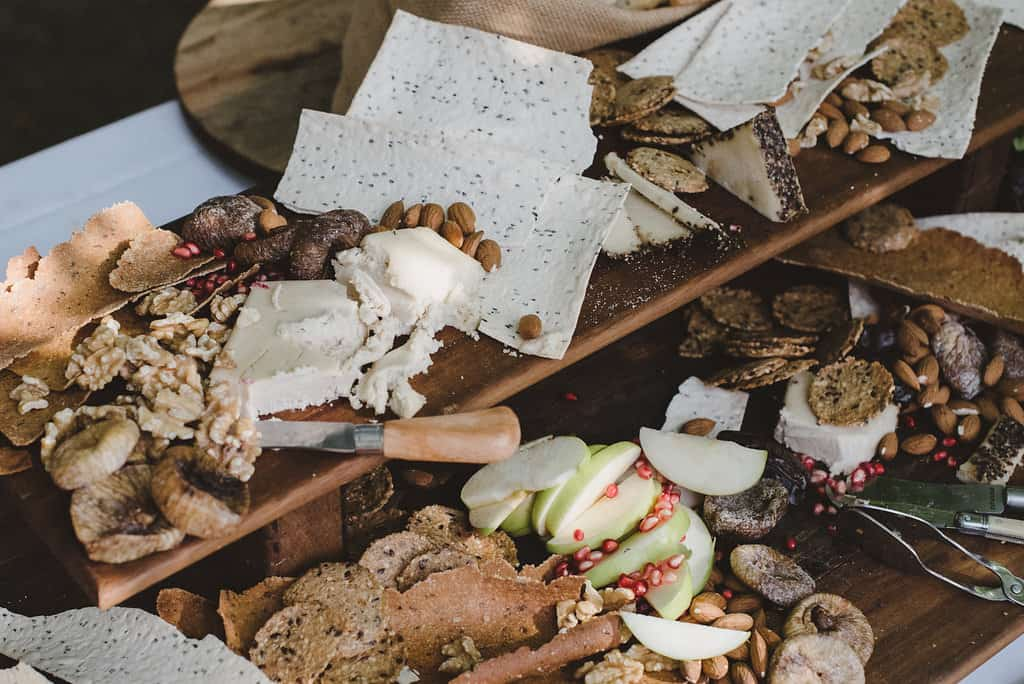 How to have a sustainable wedding - vegan wedding food