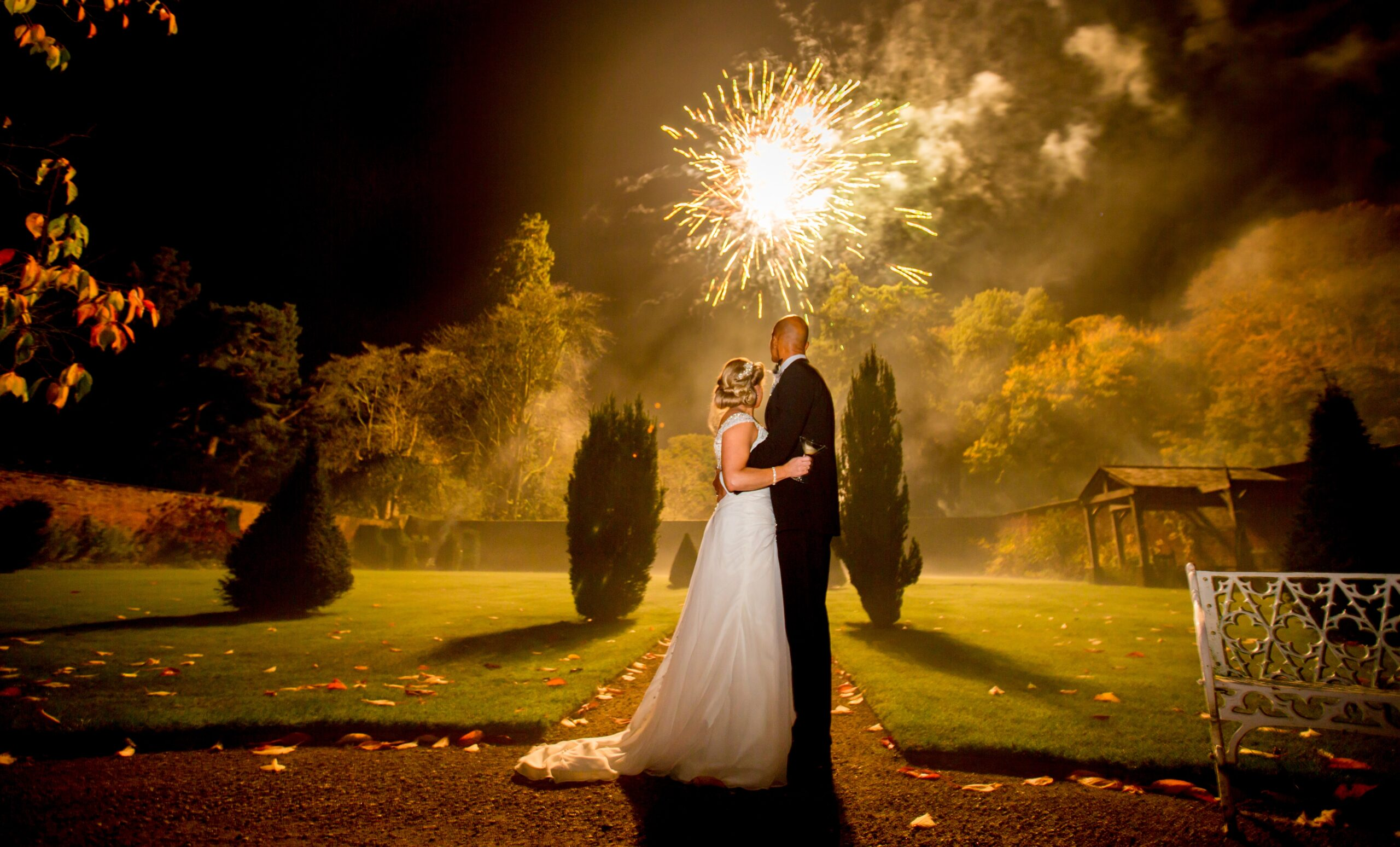 How to surprise your wedding guests